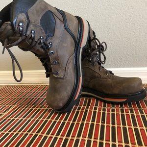 Men cabela's boots size 8